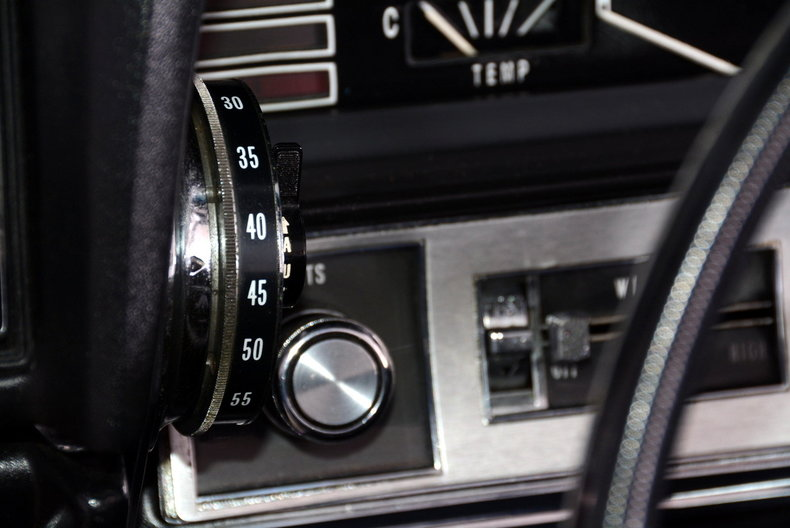 1967 Cadillac deVille Image 39