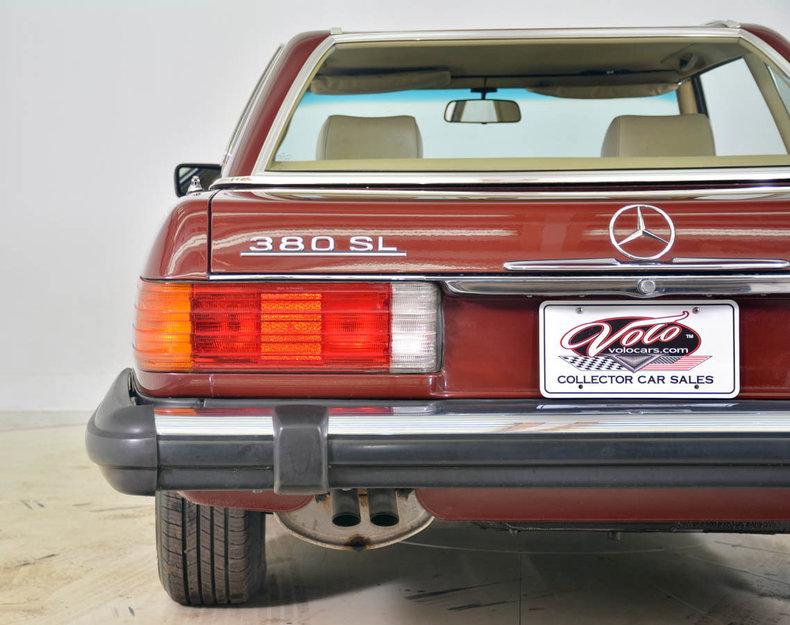 1982 Mercedes-Benz 380SL Image 24