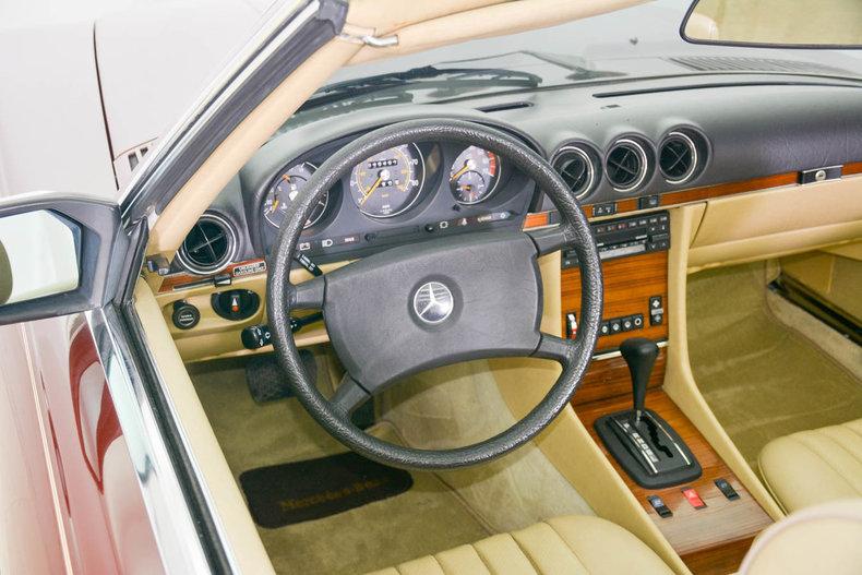 1982 Mercedes-Benz 380SL Image 2