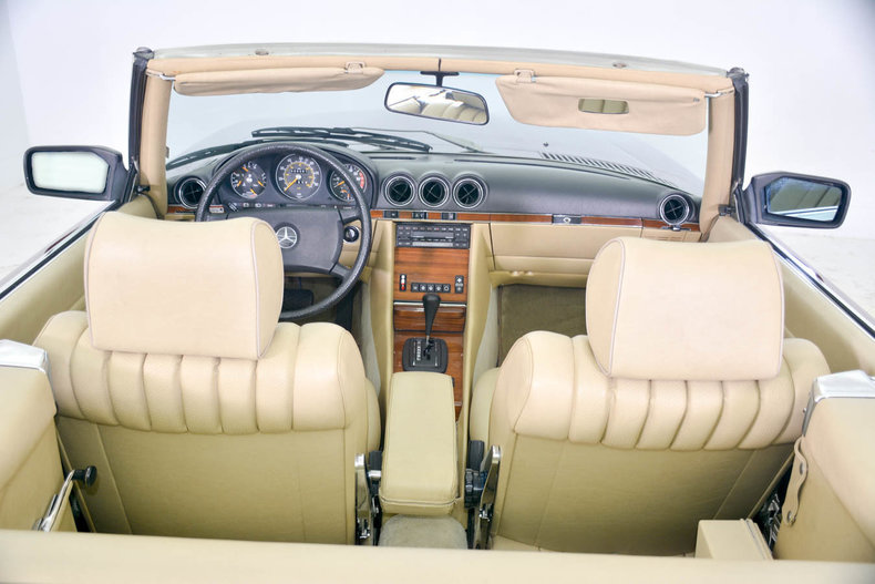 1982 Mercedes-Benz 380SL Image 6