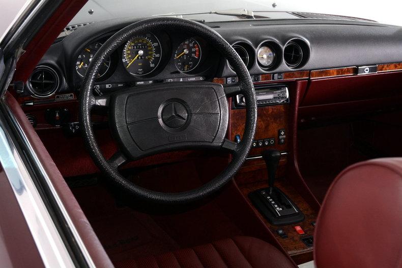 1985 Mercedes-Benz 380SL Image 2