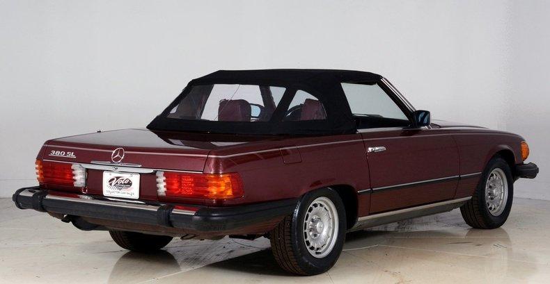 1985 Mercedes-Benz 380SL Image 3