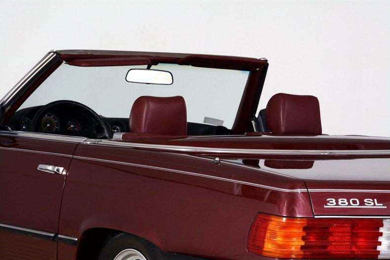 1985 Mercedes-Benz 380SL Image 35