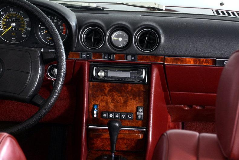 1985 Mercedes-Benz 380SL Image 44