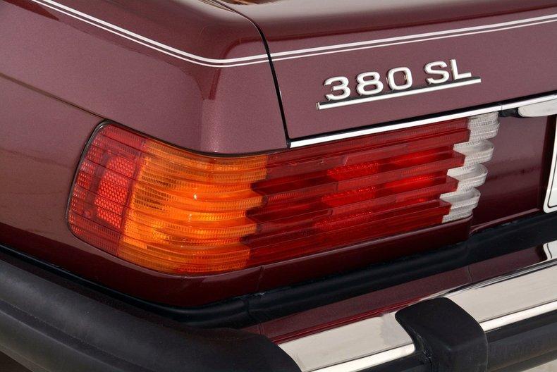 1985 Mercedes-Benz 380SL Image 69