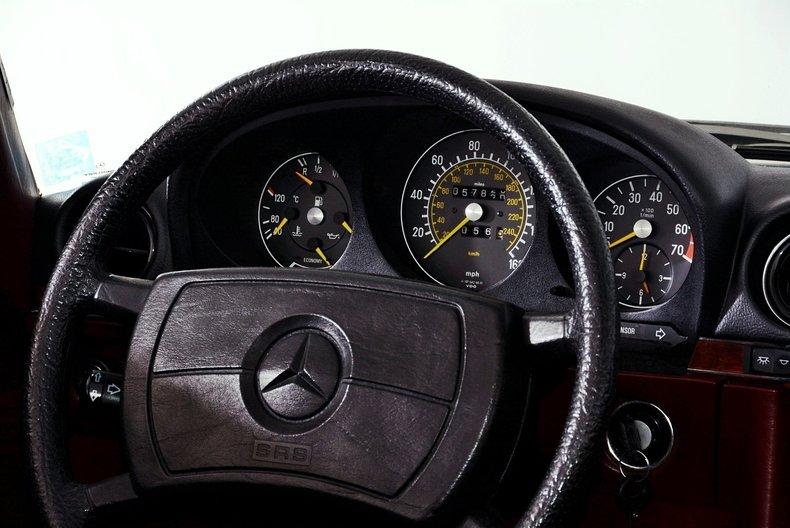 1985 Mercedes-Benz 380SL Image 76