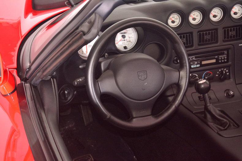 2002 Dodge Viper Image 2