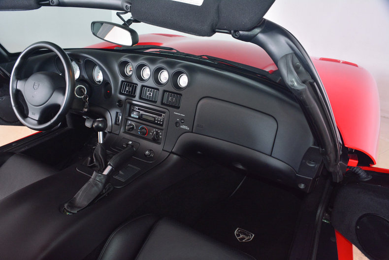 2002 Dodge Viper Image 32