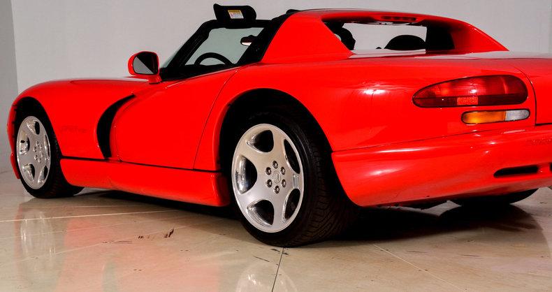 2002 Dodge Viper Image 16
