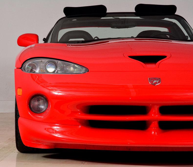 2002 Dodge Viper Image 38