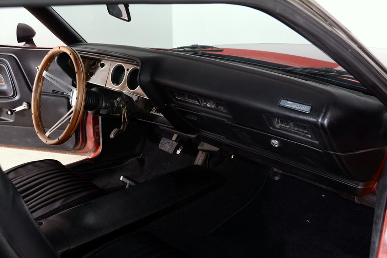1973 Dodge Challenger Image 14