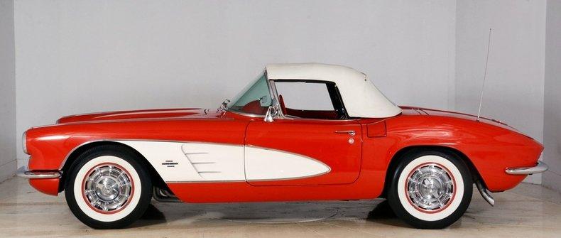 1961 Chevrolet Corvette Image 8