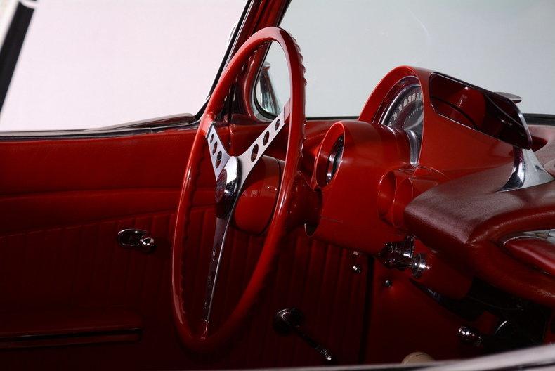 1961 Chevrolet Corvette Image 13
