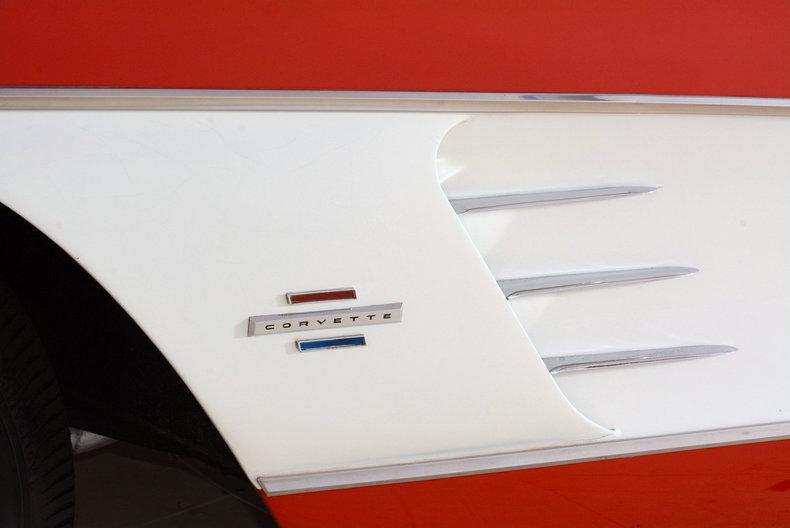 1961 Chevrolet Corvette Image 16