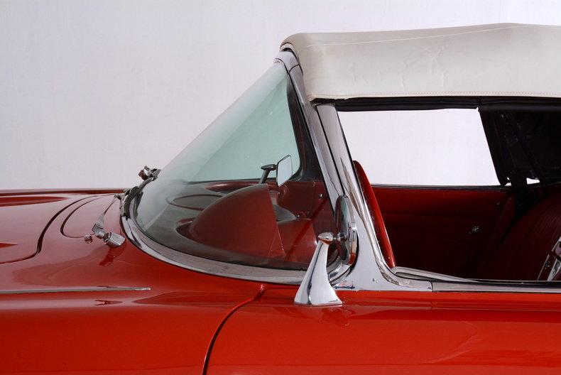 1961 Chevrolet Corvette Image 17