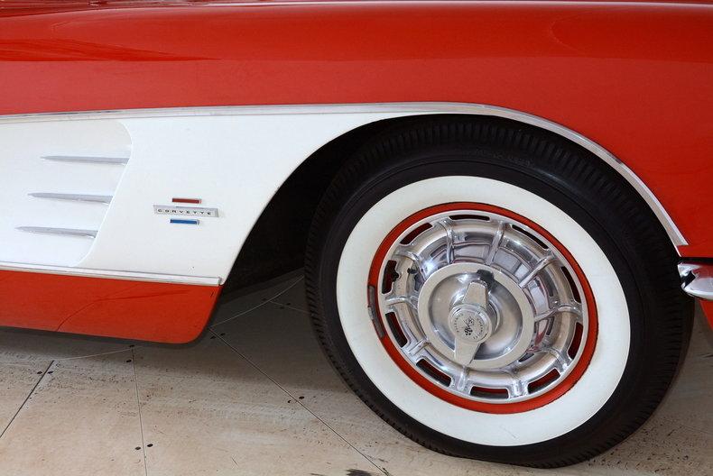1961 Chevrolet Corvette Image 24