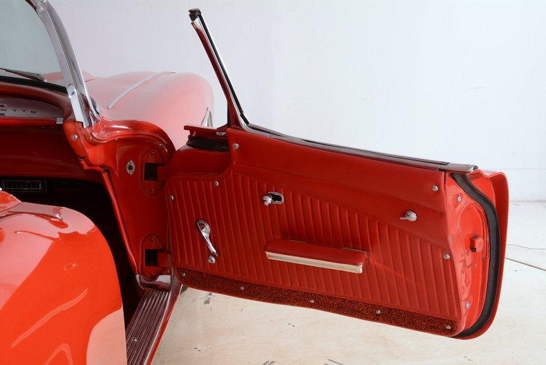 1961 Chevrolet Corvette Image 30