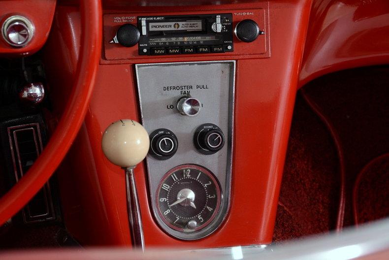 1961 Chevrolet Corvette Image 32