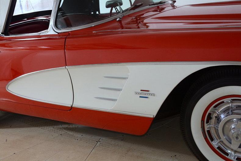 1961 Chevrolet Corvette Image 38