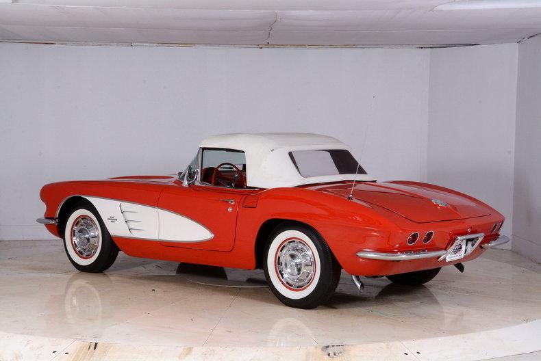 1961 Chevrolet Corvette Image 40
