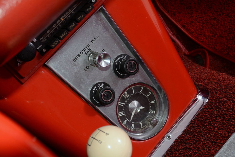 1961 Chevrolet Corvette Image 44