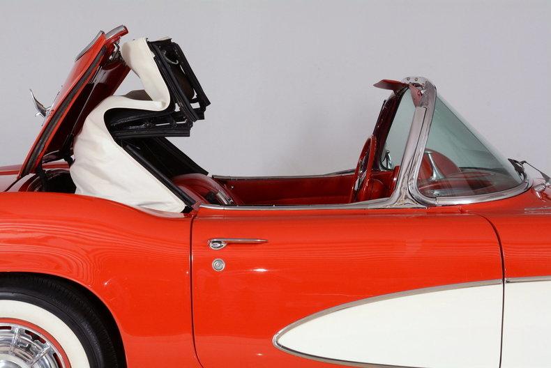 1961 Chevrolet Corvette Image 75