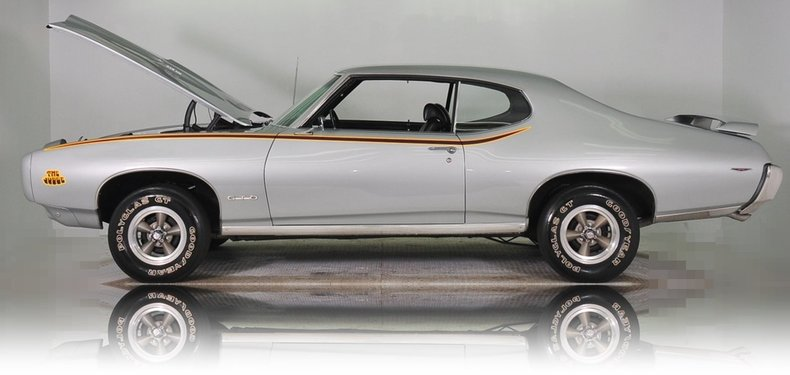 1969 Pontiac GTO Image 13