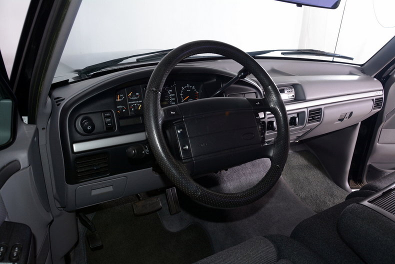 1995 Ford F150 Image 2