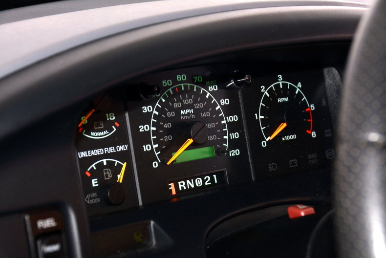 1995 Ford F150 Image 7