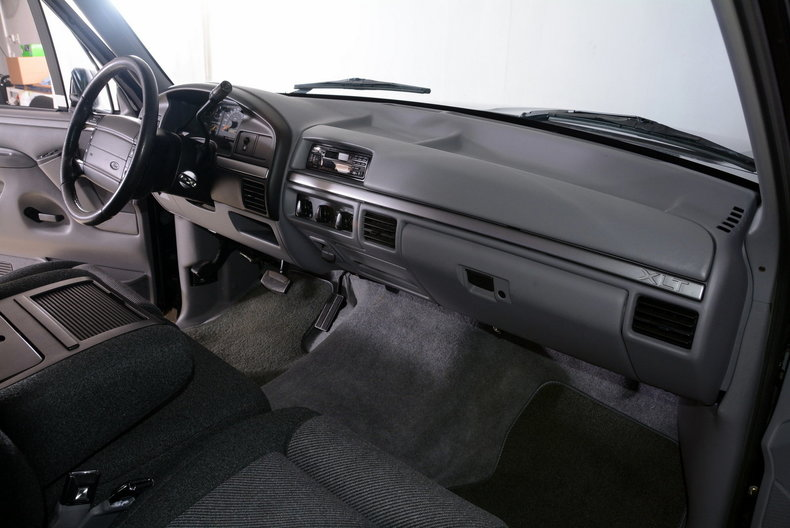 1995 Ford F150 Image 18