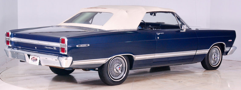 1967 Ford Fairlane Image 3