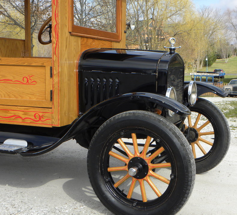 1924 Ford Model T Image 9