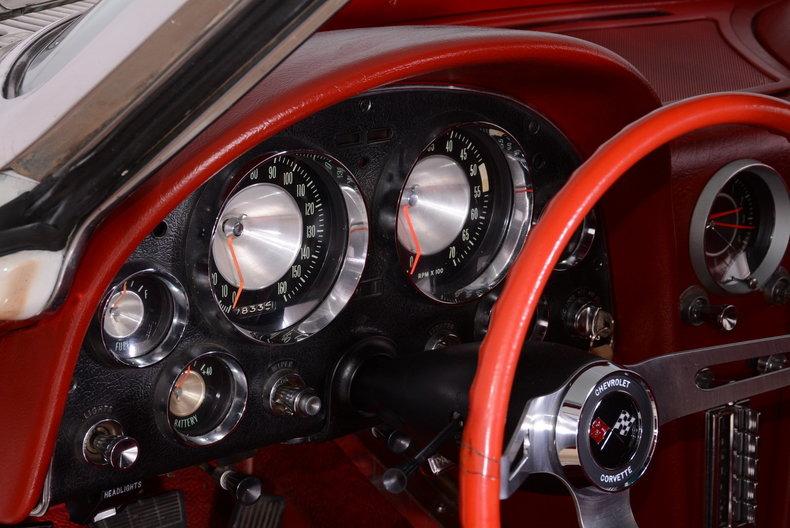 1963 Chevrolet Corvette Image 2