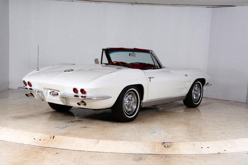 1963 Chevrolet Corvette Image 3