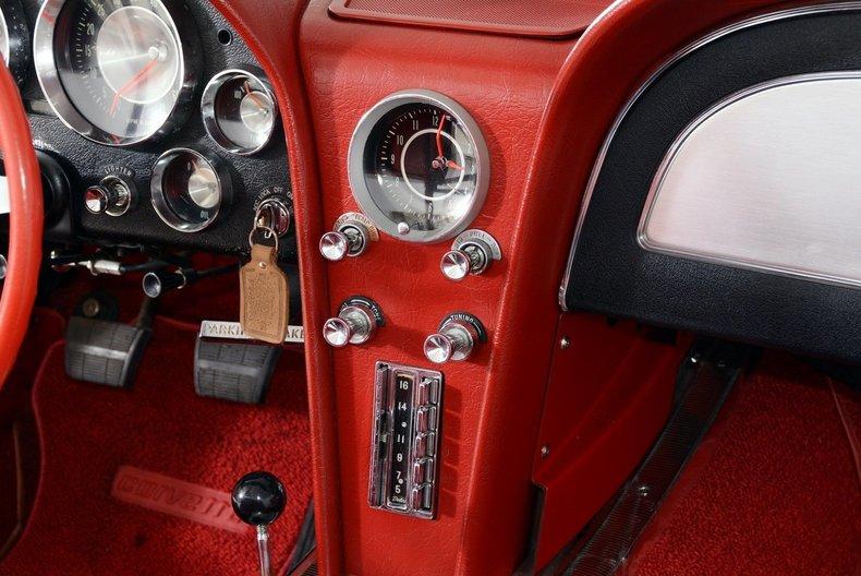 1963 Chevrolet Corvette Image 8