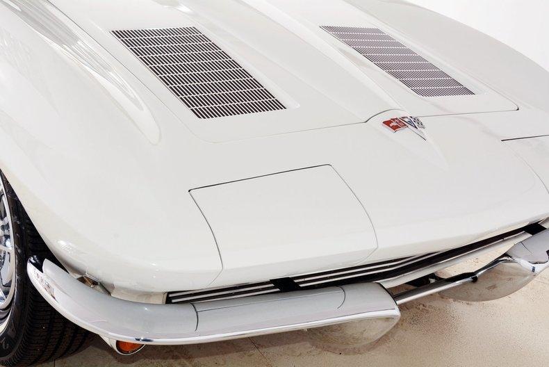 1963 Chevrolet Corvette Image 13