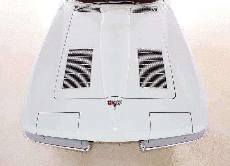 1963 Chevrolet Corvette Image 14