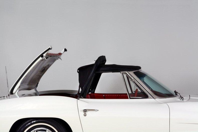 1963 Chevrolet Corvette Image 15