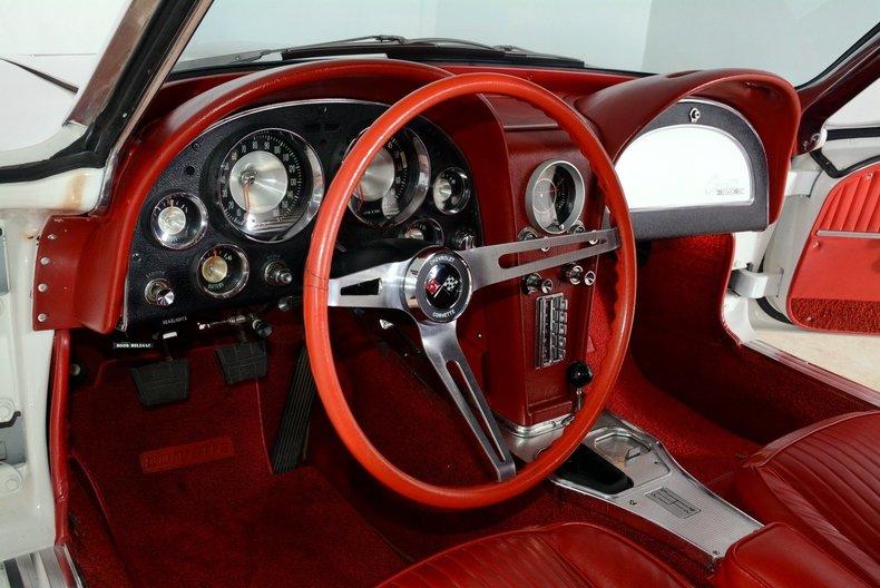 1963 Chevrolet Corvette Image 28