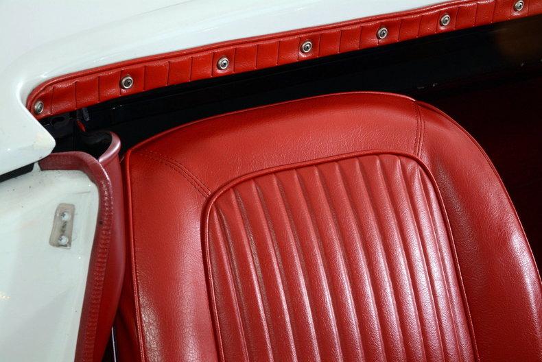 1963 Chevrolet Corvette Image 32