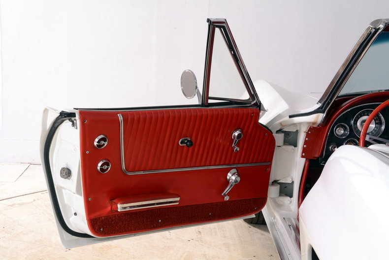 1963 Chevrolet Corvette Image 75
