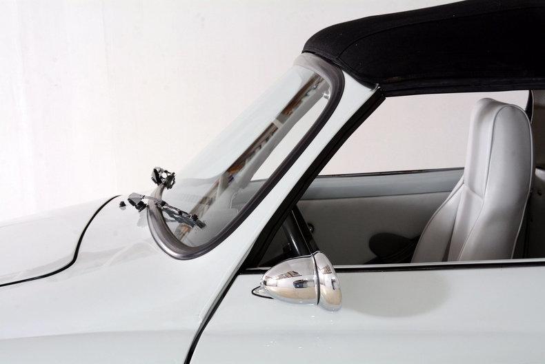1964 Volkswagen Karmann Ghia Image 14