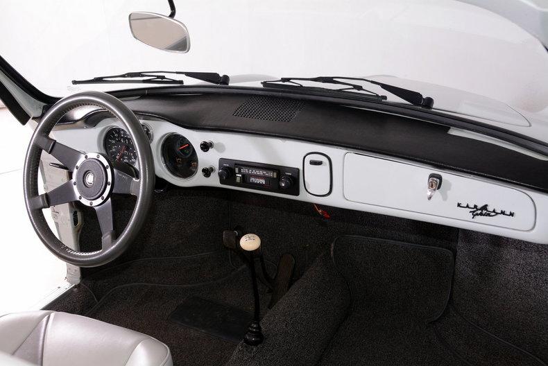 1964 Volkswagen Karmann Ghia Image 30