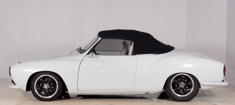 1964 Volkswagen Karmann Ghia Image 34