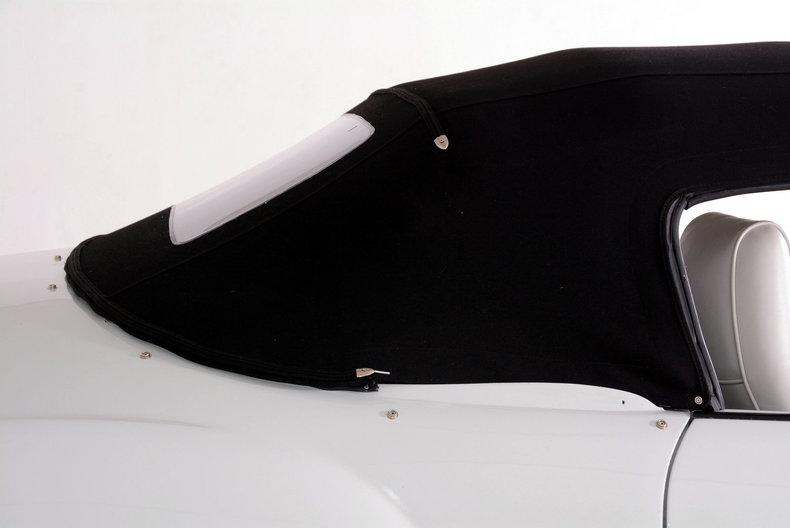 1964 Volkswagen Karmann Ghia Image 40