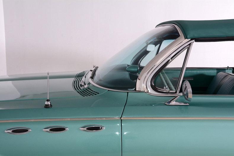 1961 Buick LeSabre Image 15