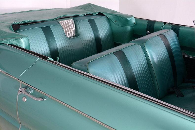 1961 Buick LeSabre Image 21
