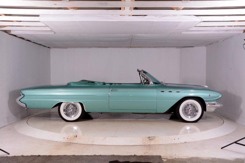 1961 Buick LeSabre Image 30