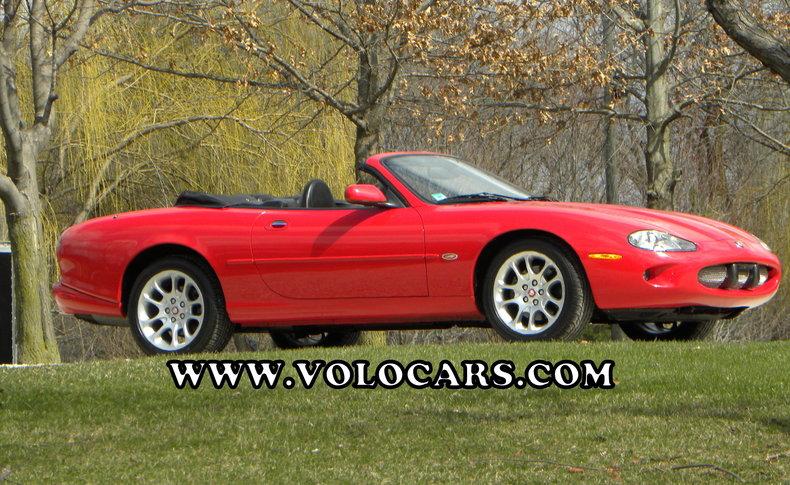 2000 Jaguar XKR Image 1