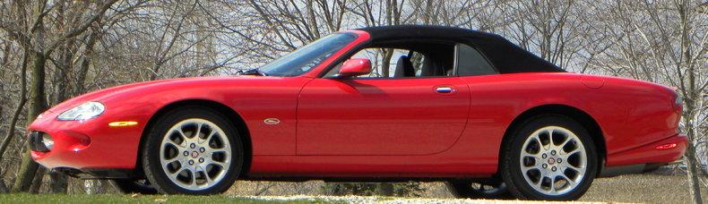 2000 Jaguar XKR Image 2